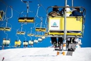 Gele skiliften in Kravec, Slovenië