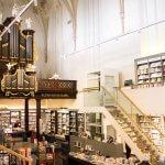 Boekenwinkel in vroegere kerk Waanders in de Broeren in Zwolle