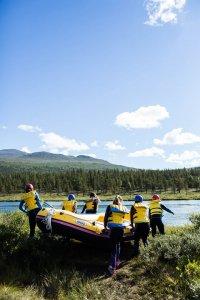 Raften in Noorwegen is één groot avontuur.