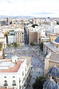 Kathedraal en plein in Valencia uit bovenaanzicht
