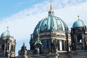 Koperen koepels van de Dom van Berlijn