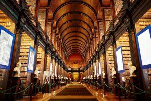 De hal van de bibliotheek van Trinity College