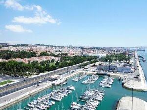 Uitzicht over de haven van Lissabon