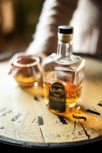 Fles en glas Gouden Carolus Whisky