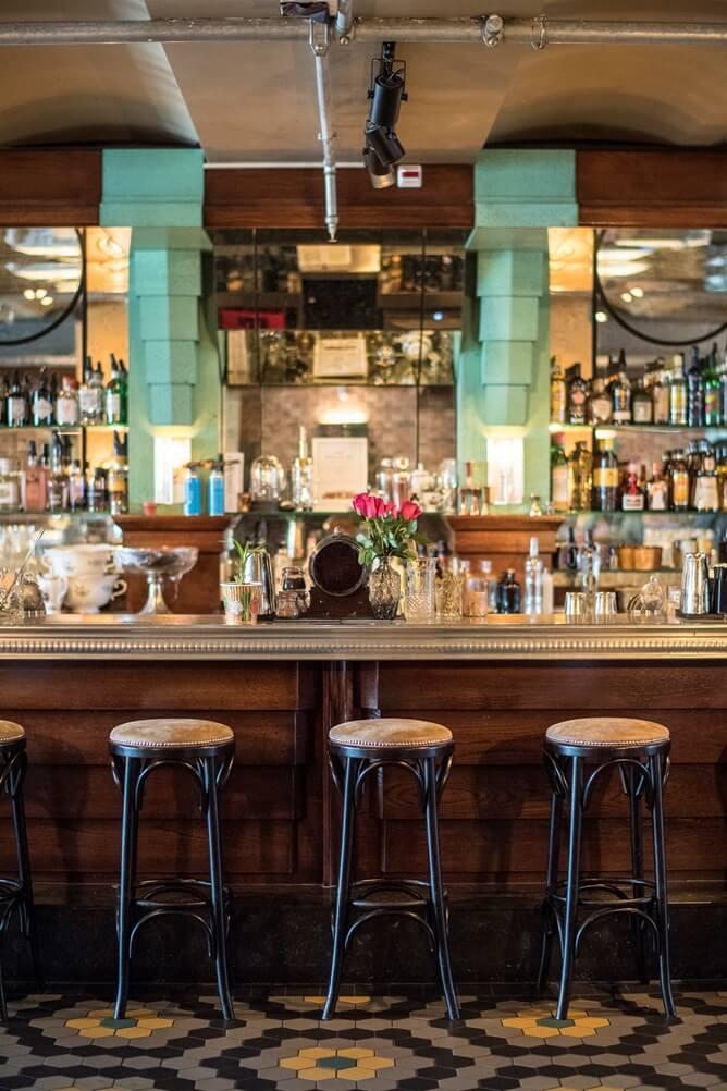 Toog van cocktailbar NY Basement in Rotterdam in jaren 20 stijl