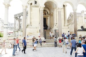 Zuilen van het paleis van Diocletianus in Split