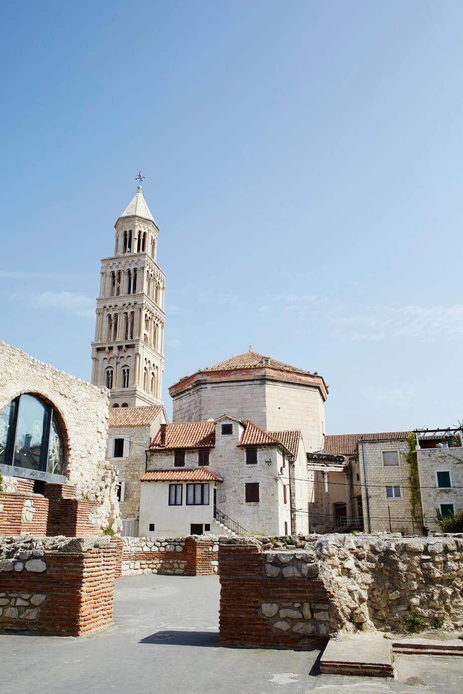 Zicht op de Sint Laurenskathedraal in Trogir
