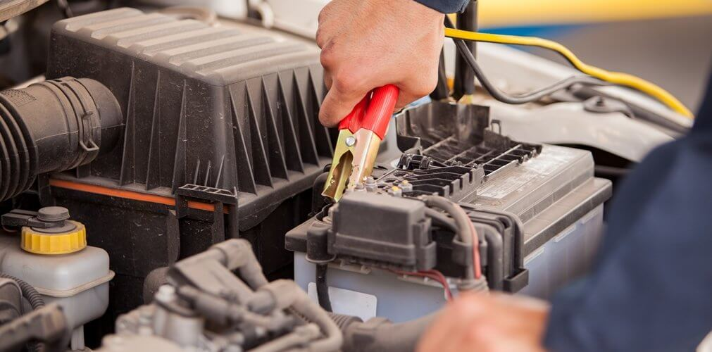 Hoe werkt de autobatterij