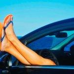 Autorijden met slippers mag dat of niet