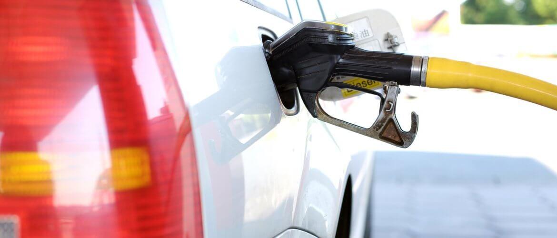 Tanken in het buitenland: dit zijn de brandstofprijzen in Europa