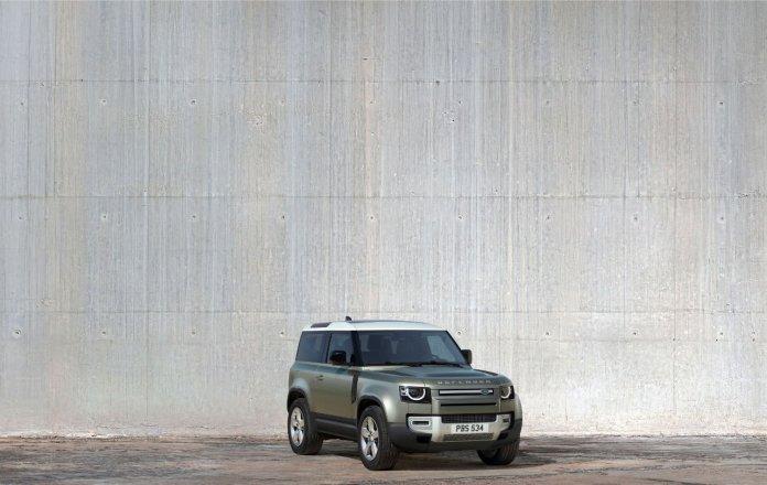 Autosalon Land Rover Defender