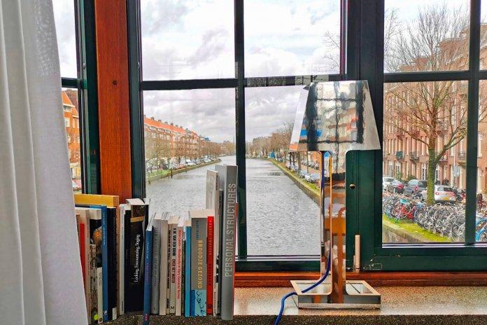 Bijzonder logeren in Amsterdam in een brugwachtershuisje