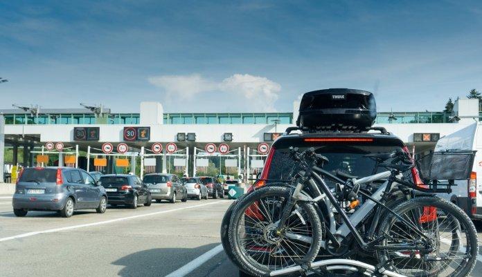 zwarte zaterdagen file Frankrijk snelweg vakantiedrukte