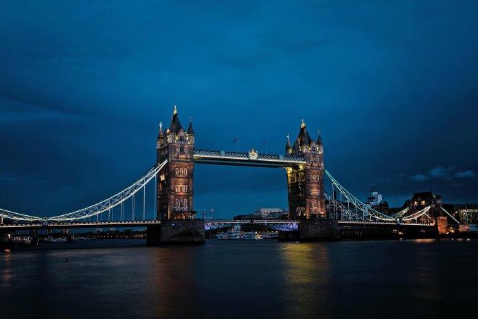 Einddatum reizen naar Verenigd Koninkrijk met identiteitskaart bekend