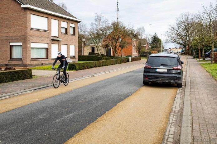 parkeren op een fietssuggestiestrook