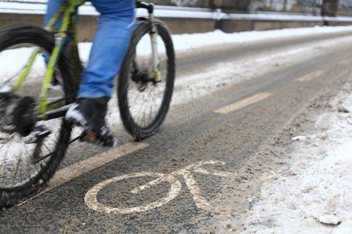 Strooien op fietspaden